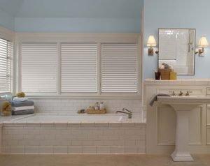 faux-wood-gallery-bathroom